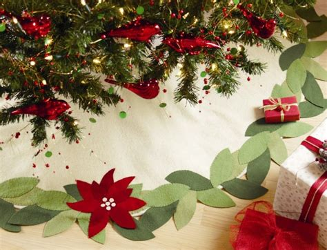 pattern for felt christmas tree skirt 17 best images about christmas crafts on pinterest