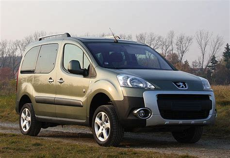 peugeot partner 4x4 review peugeot partner teepee 4x4 dangel 2010 autolatest