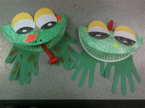 Frog With Paper - frog craft made with paper plate blowouts and