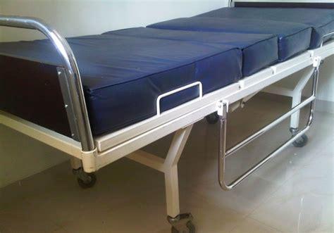 Kursi Roda Bekas Bogor jual tempat tidur pasien 2 crank bekas toko medis jual