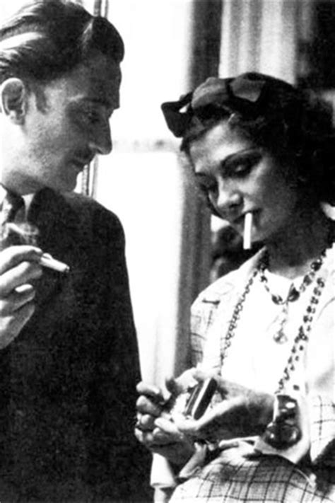 coco chanel biography lisa chaney new biography promises scandalous dirt about coco chanel