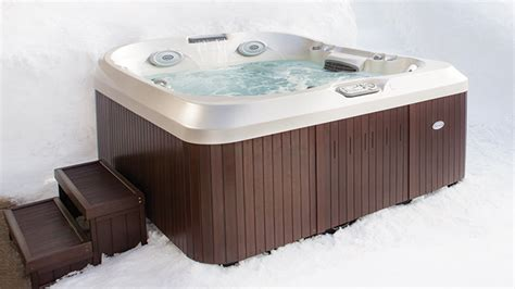 buy jacuzzi bathtub buy a hot tub hot tub buyers guide jacuzzi 174