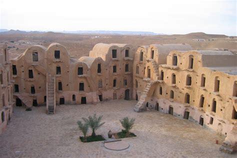 maison troglodyte tunisie circuits 224 th 232 me villages berb 232 res ksours tunisie
