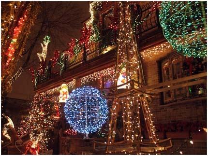 best christmas lights in chicago are in logan square