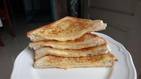 intai dapur roti bakar lemak berkrim  berkeju