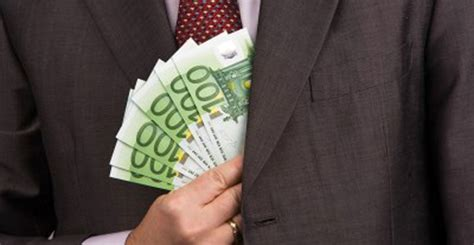 ufficio entrate brescia brescia corruzione e mazzette all agenzia delle entrate