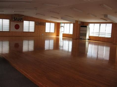 Dojo Layout Elements | modern japanese dojo some traditional elements it almost