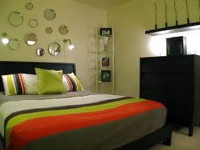 Design A Bedroom by Decorating A Small Bedroom