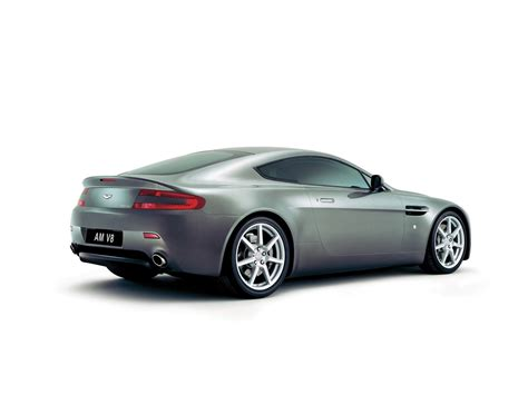 Aston Martin Wallpapers by Aston Martin V8 Vantage Wallpapers Pictures Images