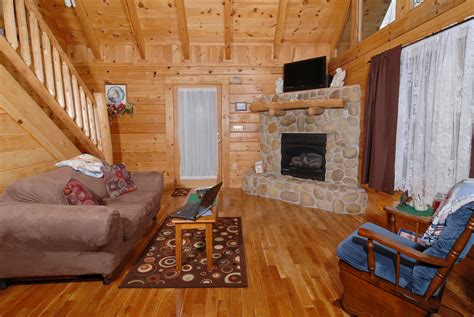gatlinburg one bedroom cabins one bedroom cabins gatlinburg tn 28 images cabin fever