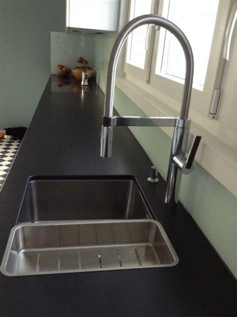 küchen läden wandgestaltung wohnzimmer grau t 252 rkis