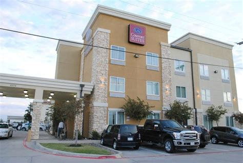 comfort suites dallas tx from our parking spot