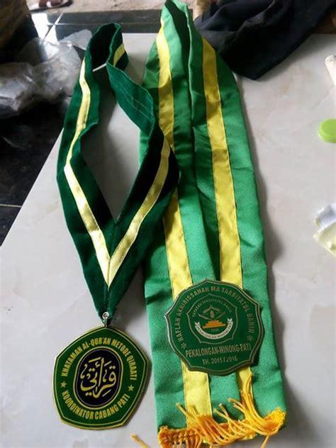 samir wisuda 2 medali wisuda keosqeta keosqeta