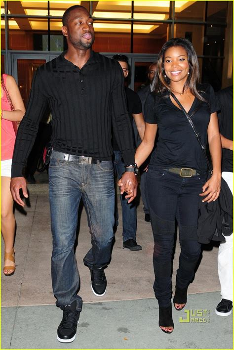 gabrielle union and dwyane wade house gabrielle union dwyane wade football fanatics photo 2486557 dwyane wade