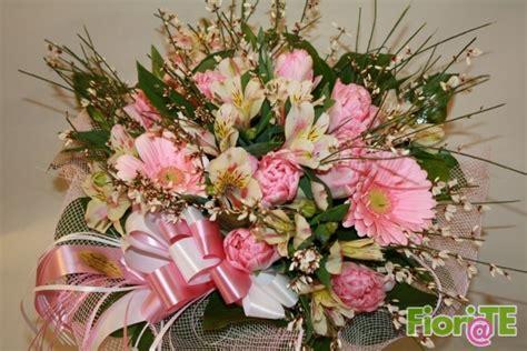 fiori regalo compleanno bouquet fiori primavera per regalo compleanni