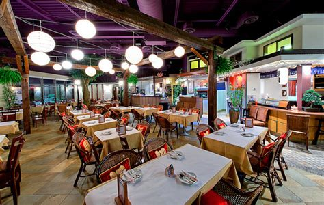 Mississauga Restaurants With Dining Rooms by Axia Restaurant And Bar Menu Reviews Erin Mills