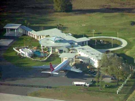travolta can park his jet at his home airport magellan jets