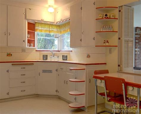 50s Kitchen Cabinets by Same Owners For 70 Years This 1940 Seattle Time Capsule