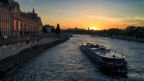 bateau mouche capitaine fracasse sunset cruise on the capitaine fracasse seine river paris