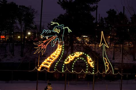the 8 best places to see holiday lights in ontario