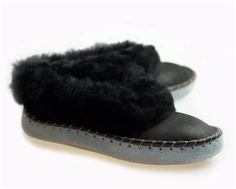 mens shearling moccasin slippers mens sheepskin slippers moccasin leather boots moccasins for