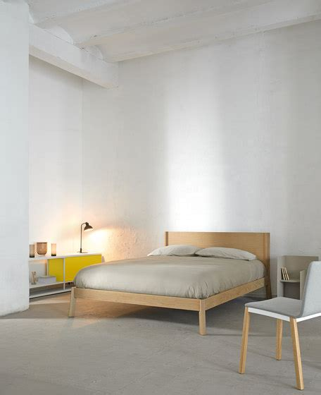 breda bed breda bed double beds from punt mobles architonic