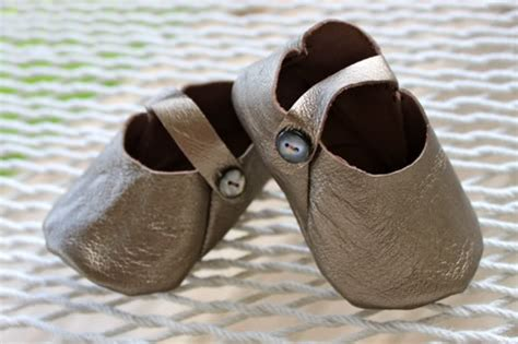 diy leather shoes diy leather baby shoes with free pattern pretty prudent
