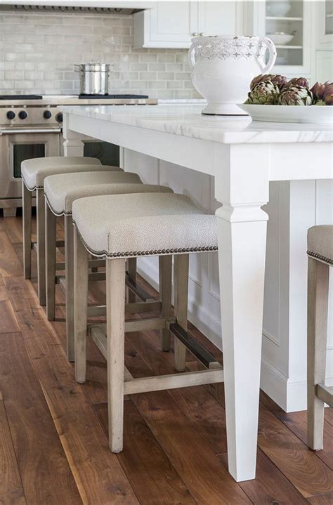 kitchen island with 4 stools 25 best ideas about stools on bar