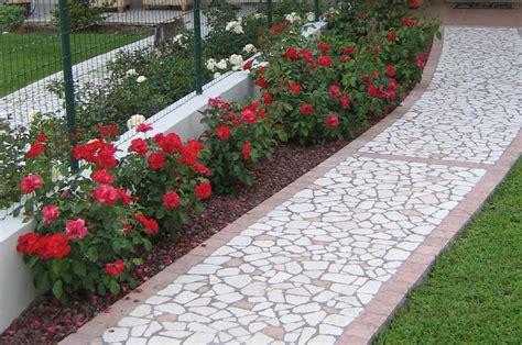 abbellire giardino come abbellire un giardino giardino con pavimenti bianchi