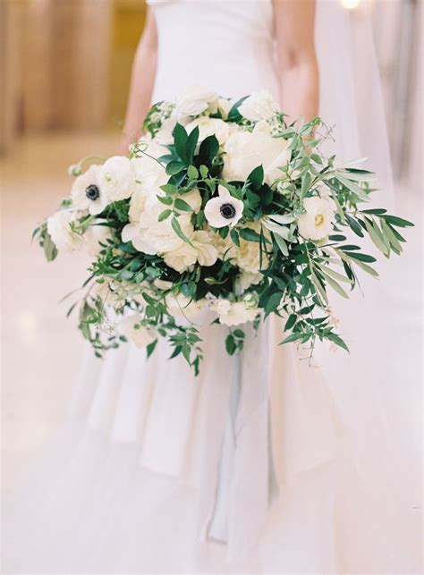 Wedding Bouquet Definition by This Wedding Is The Definition Of Quot Timeless Quot Wedding