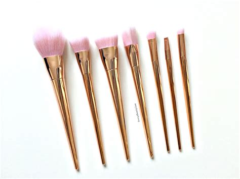 beauty review real techniques make up brushes the red style 163 7 brush set you need rose gold makeup brushes