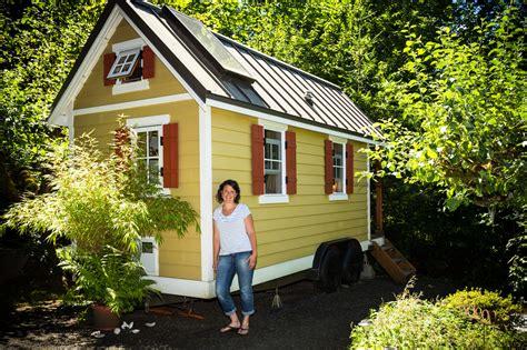 tiny house real estate tiny house real estate tiny cabin living