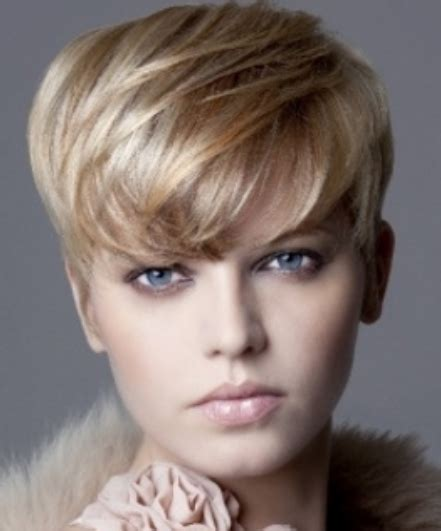 very short hairstyle with highlights lift and a bump on chic boyish hairstyle with long bang with highlights