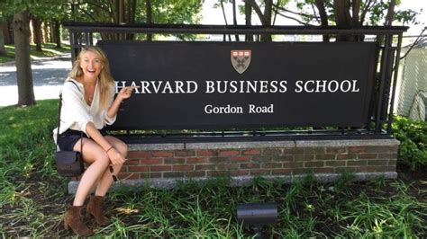 Harvard Mba Tuition 2016 by Sharapova Takes Harvard Business Course During Ban