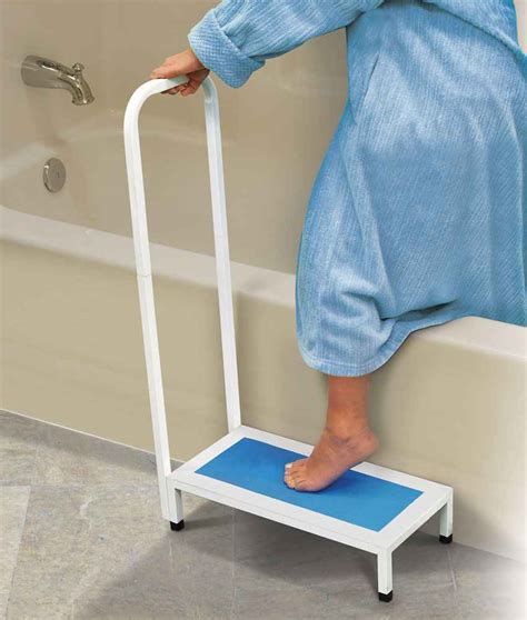 Bathtub Step Stool Elderly by Bath Step With Handle Colonialmedical