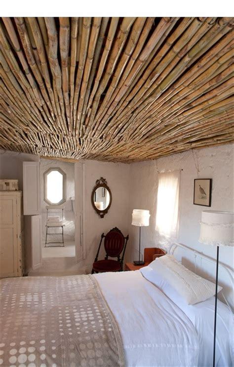 bamboo ceiling  cottage med bedroom  adriaan