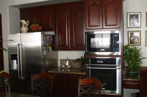 best priced kitchen cabinets get the best price on kitchen cabinet refacing woodwork