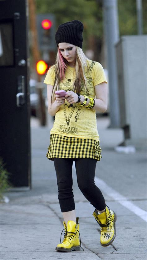 avril lavigne images avril wear clothing hd