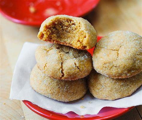 lezzetli yemekler ve tarifleri cevizli kurabiye tarifi on pinterest fıstık ezmeli kurabiye tarifi basit ve lezzetli
