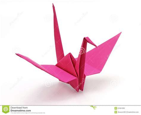 doing origami p 225 ssaro cor de rosa do origami fotos de stock imagem