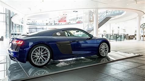 2016 audi r8 v10 gets santorini blue paint and brown leather autoevolution