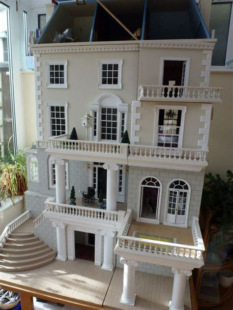 25 Best Ideas About Doll Houses On Pinterest Doll House Crafts Kids Doll House And