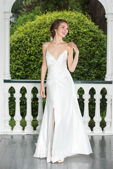 Simple Wedding Images by Simple Wedding Dresses Stylish Versatile And More
