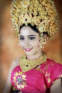 tutorial makeup tari bali balinese costume make up artis profesional studio foto