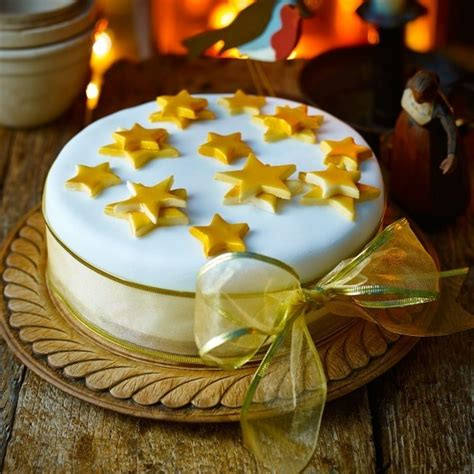 7 ways to decorate your christmas cake christmas cake
