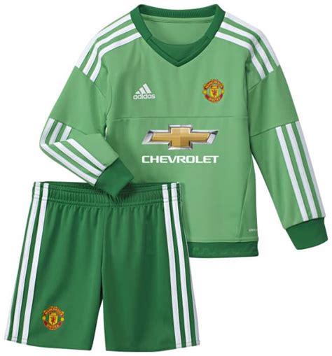Jersey Manchester United Goalkeeper 2015 16 Hijau 1 manchester united home goalkeeper kit 2015 2016