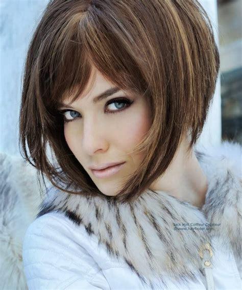 pelo corto bob peinados para cabello corto y ondulado mujer