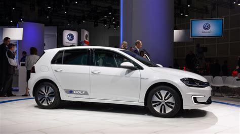 Vw Golf Range by 2017 Volkswagen E Golf Gets Longer Range More Power