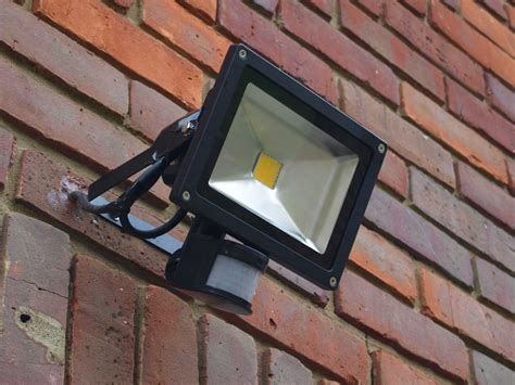 how to wire a security light to a plug post carbon homes lights