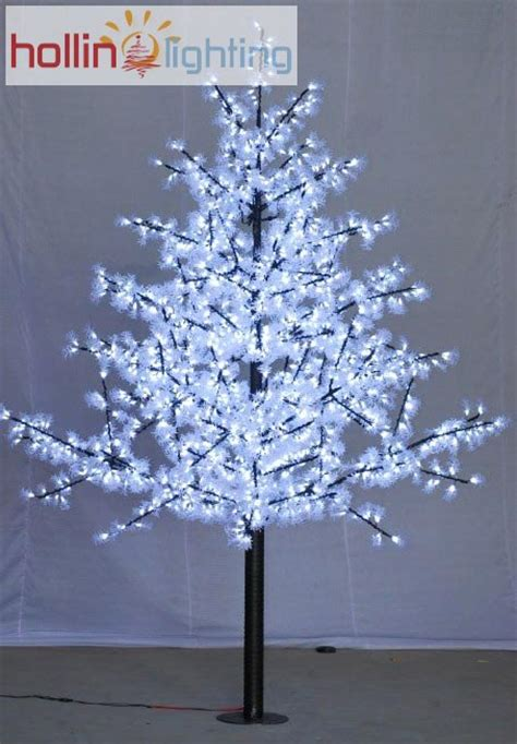 led pine tree hollinlighting